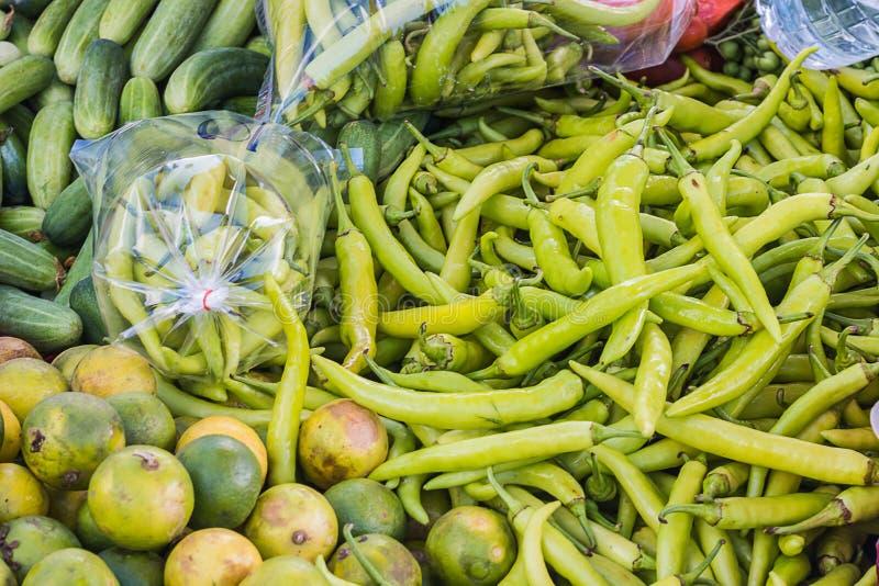 Spaanse peper in markt stock afbeelding