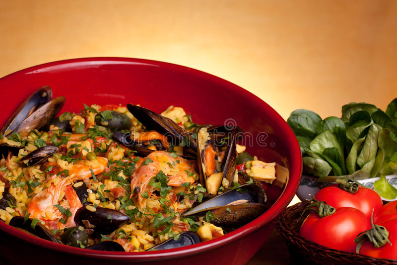 Spaanse Recepten - Paella stock foto's