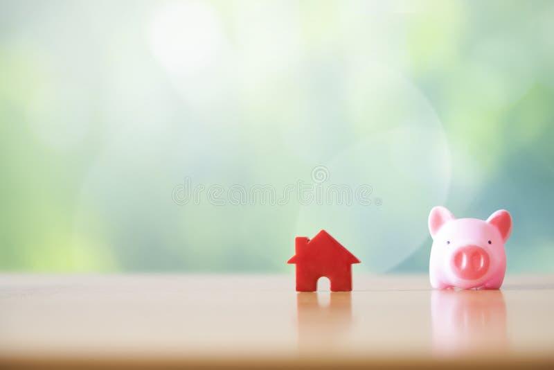 Spaarvarken en Huis royalty-vrije stock foto's