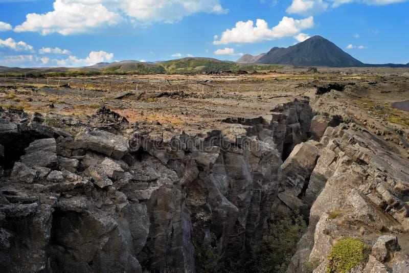 Spaccatura nel distretto di Myvatn, Islanda fotografie stock libere da diritti