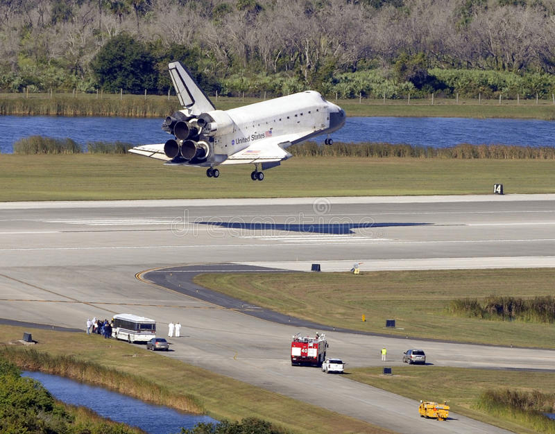 Download Space shuttle editorial image. Image of spaceship, shuttle - 12480550