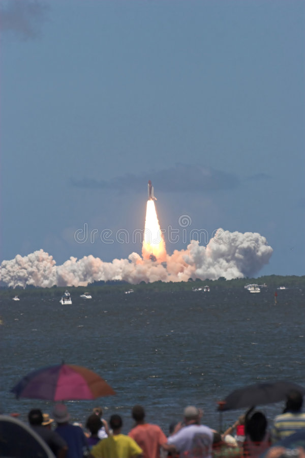 Space shuttle launch – STS 121 stock photo