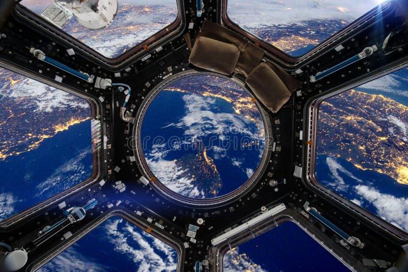 spacecraft Elementi di questa immagine ammobiliati dalla NASA immagine stock