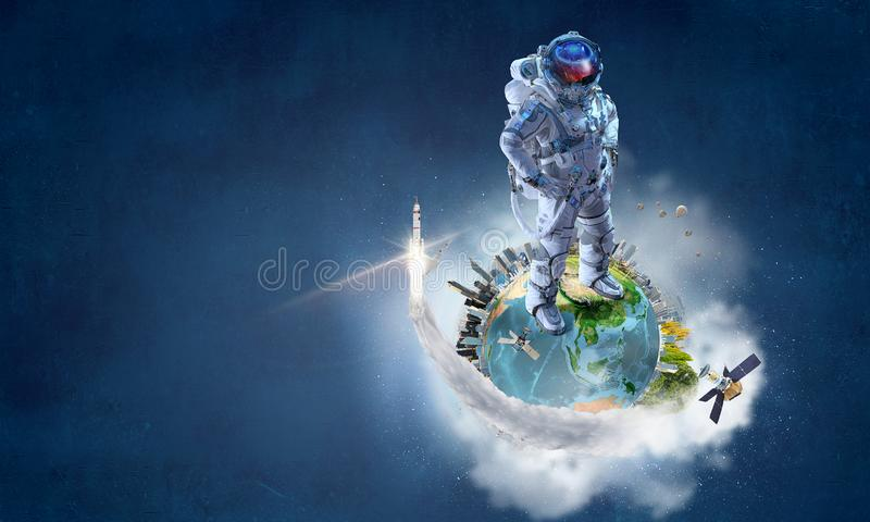 Spaceman και η αποστολή του Μικτά μέσα στοκ εικόνα με δικαίωμα ελεύθερης χρήσης