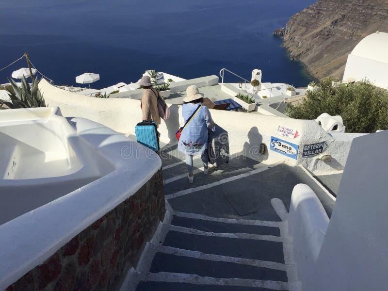 Spacer dennego przodu kurort w Santorini Grecja zdjęcia royalty free