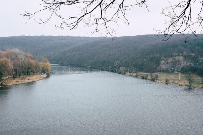 Spacer woko?o Po?udniowej pluskwy rzeki, Ukraina fotografia stock