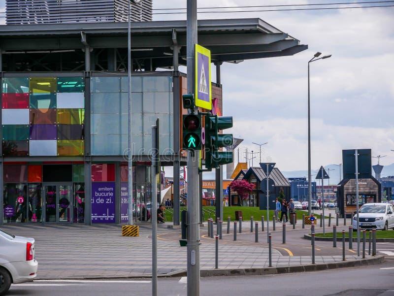 Spaceru znak uliczny przed lokalnym centrum handlowym fotografia royalty free