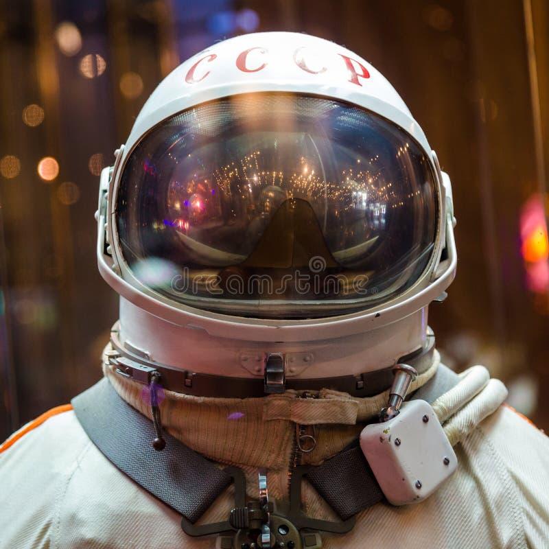 Spacesuit do astronauta do russo no museu de espaço imagem de stock