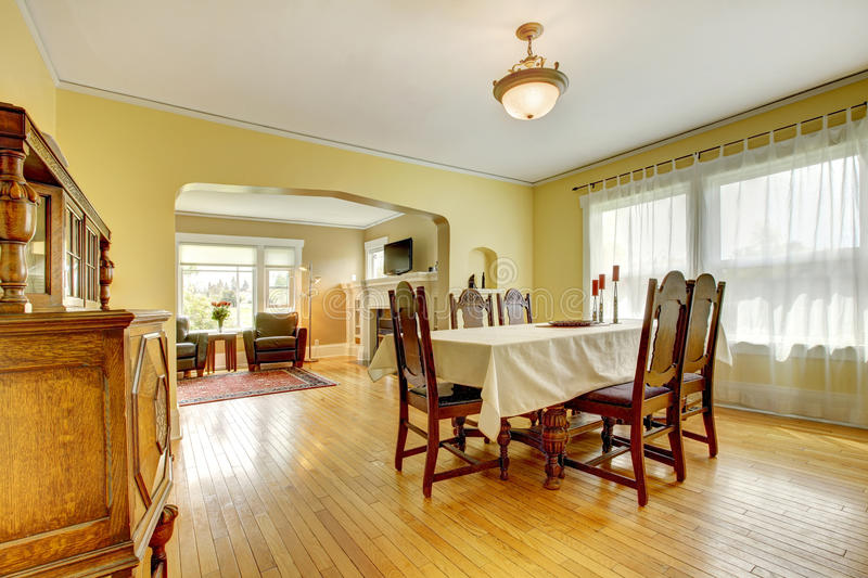 Spacious Wood Carved Dining Room Royalty Free Stock Photos