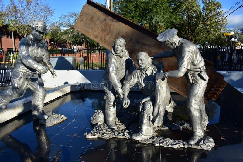 9/11 Spadać bohaterzy Pamiątkowi w Ybor mieście zdjęcia stock