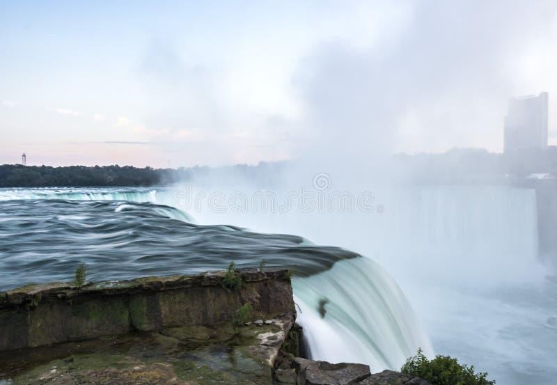 spadać Niagara zmierzch Długi ujawnienie - jedwab woda nowy Jork obraz royalty free