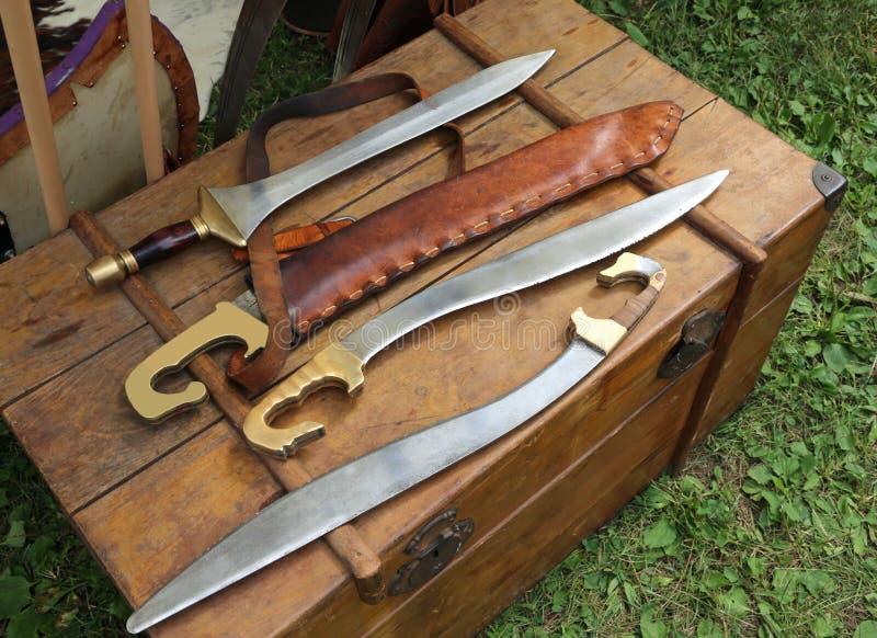 Spade e coltelli taglienti antichi delle armi fotografia for Coltelli antichi italiani