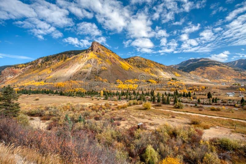 Spadek Barwi nad 8000 ciekami w elewaci blisko Silverton Kolorado fotografia royalty free