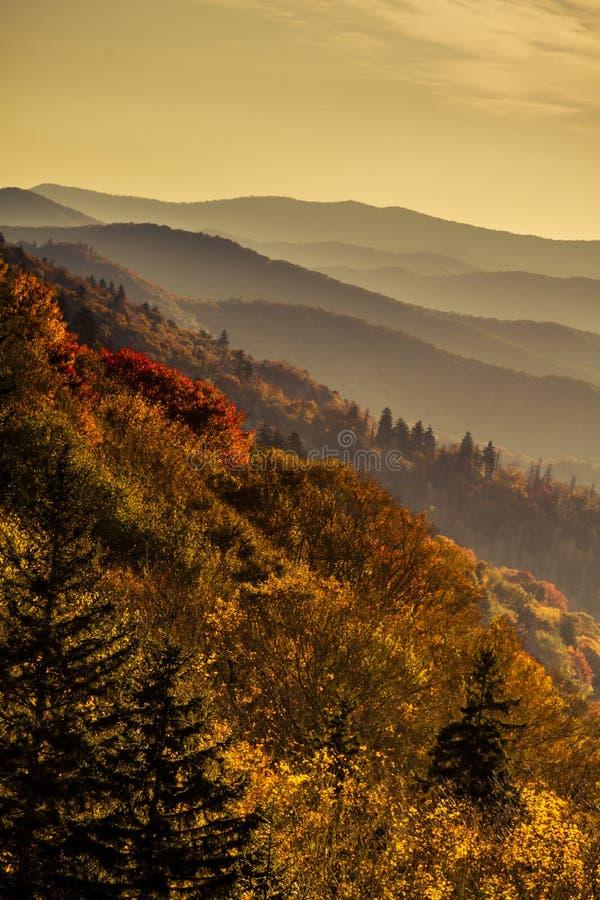 Spadek w Wielkim Dymiących gór park narodowy obrazy royalty free