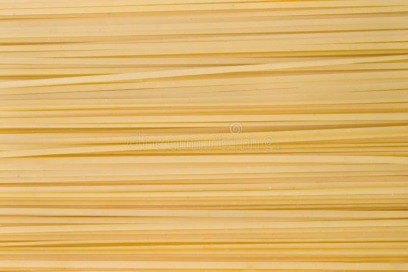 spagetti gör tunnare arkivfoto
