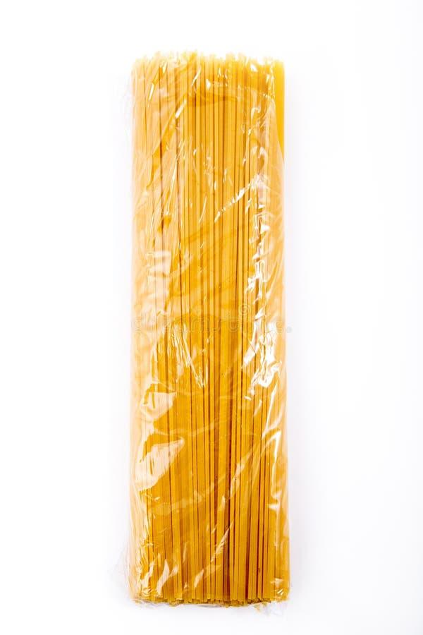 Spagetti i genomskinlig packe arkivbilder