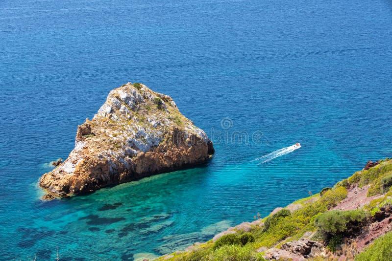 Spaggia Di Masua παραλία και Pan Di Τσούκερο, πλευρά Verde, Σαρδηνία, Ιταλία στοκ εικόνες με δικαίωμα ελεύθερης χρήσης
