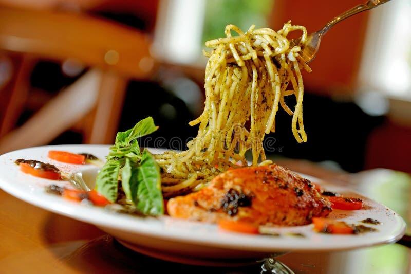 Spaghetti łosoś zdjęcia royalty free