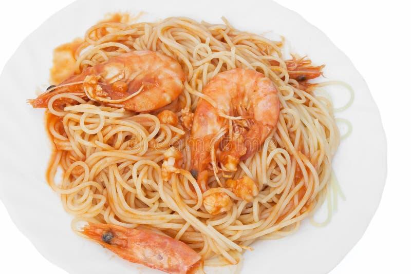 Spaghetti avec des crevettes images stock