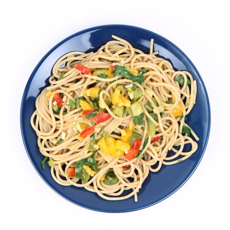 Spaghetti avec des légumes image libre de droits