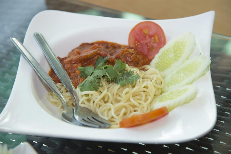 Spaghetti Bolognese op plaat stock afbeelding