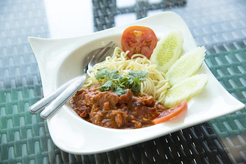 Spaghetti Bolognese op witte plaat stock fotografie