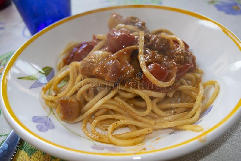 Spaghetti con i funghi di porcini fotografie stock libere da diritti