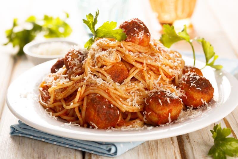 Spaghetti con le polpette fotografia stock libera da diritti