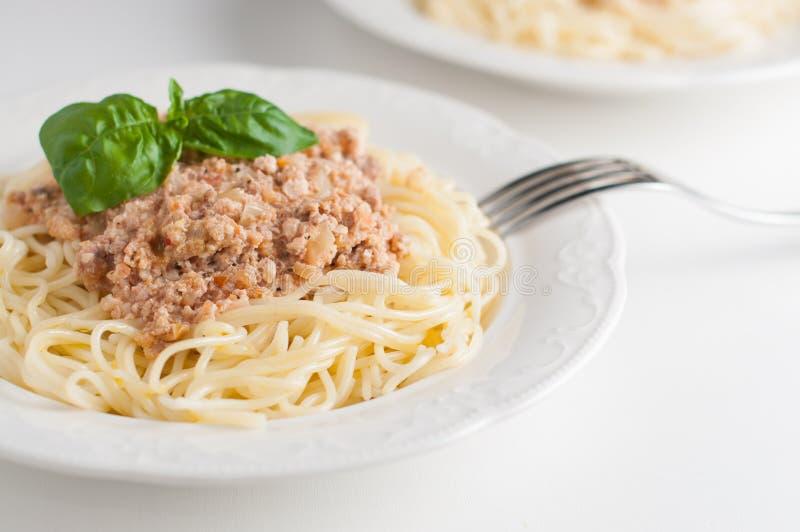 Spaghetti con salsa immagine stock