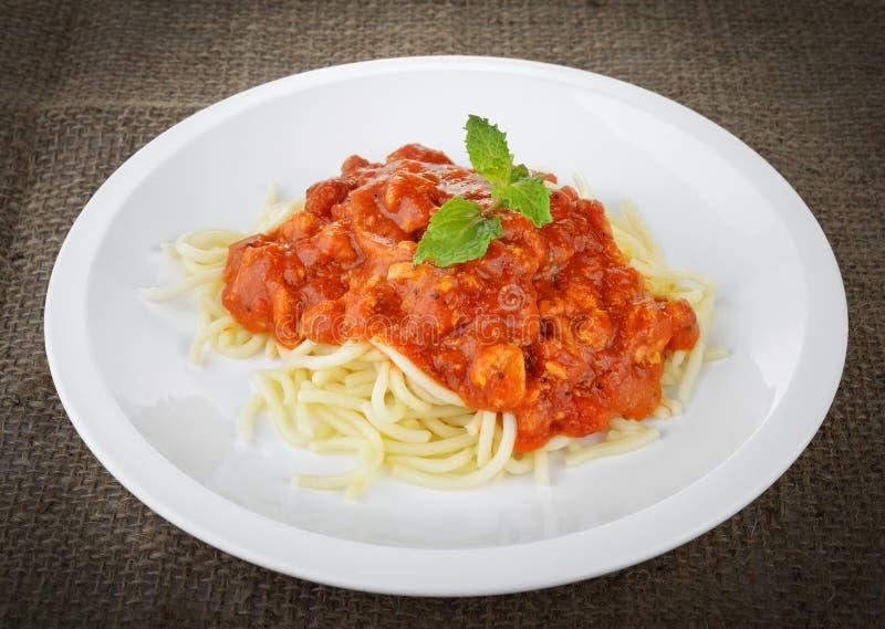 Spaghetti con salsa al pomodoro fotografie stock
