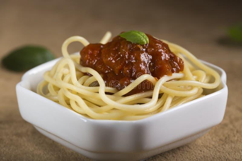 Spaghetti con salsa al pomodoro fotografia stock