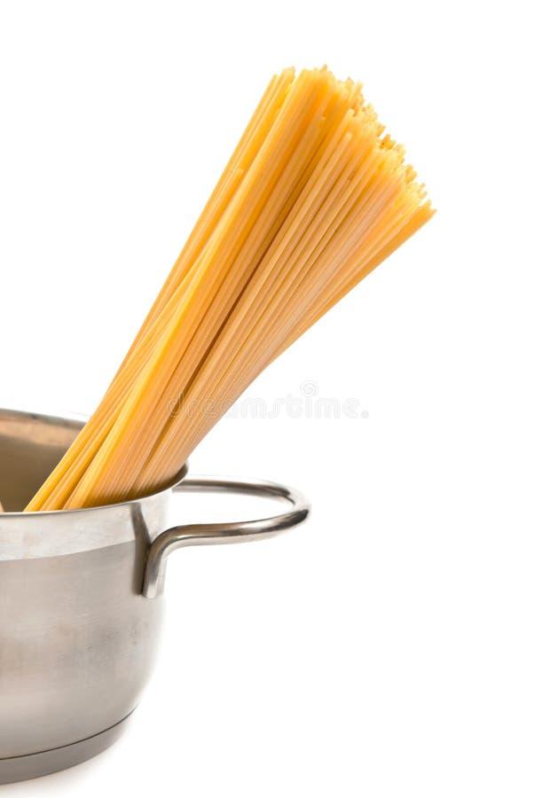 Spaghetti dans le carter photo libre de droits