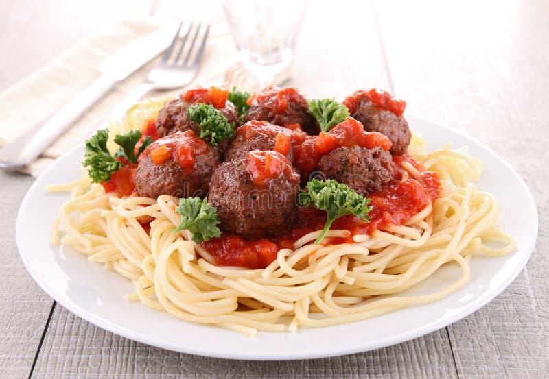 Spaghetti en vleesballetje stock foto