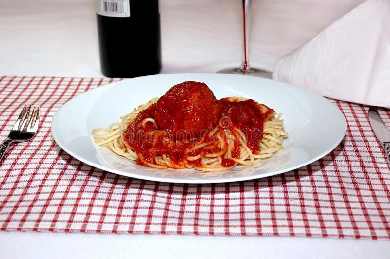 Spaghetti en Vleesballetje stock afbeeldingen