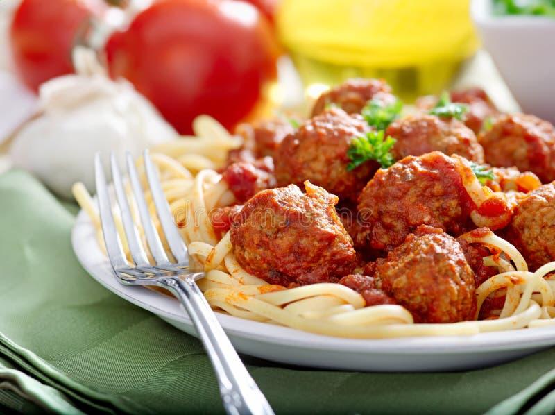 Spaghetti et boulettes de viande photographie stock libre de droits