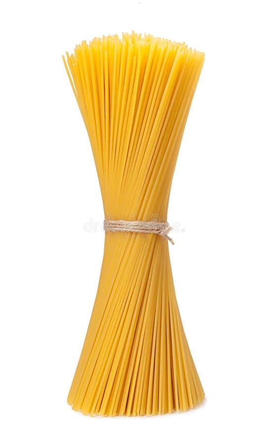 Spaghetti isolati su priorità bassa bianca fotografia stock libera da diritti