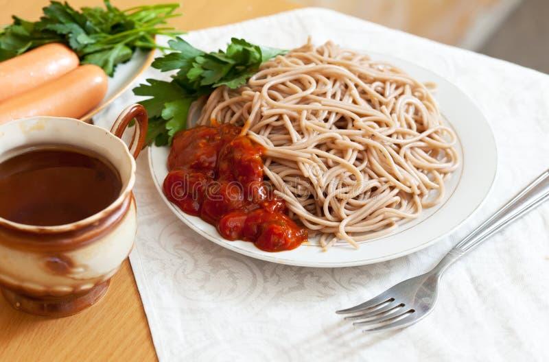 Spaghetti kiełbasy makaron i fotografia royalty free