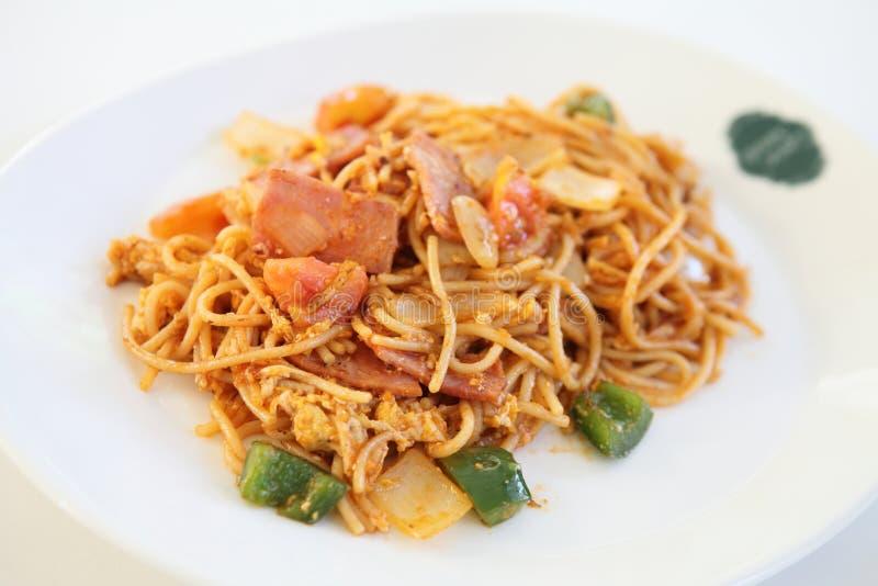 Spaghetti met ham royalty-vrije stock afbeeldingen