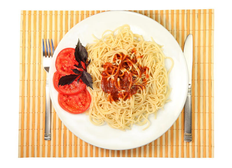 Spaghetti met saus en tomaat stock fotografie