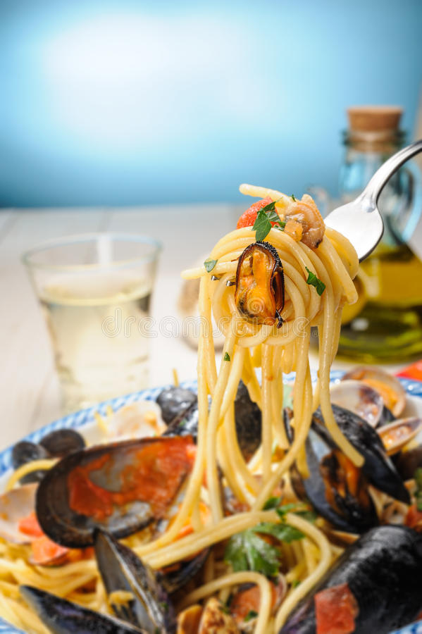 Spaghetti With Mussels And Clams Stock Photography