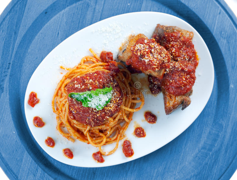Download Spaghetti With Neaplolitan Ragu Sauce Stock Image - Image of food, cooked: 19394717