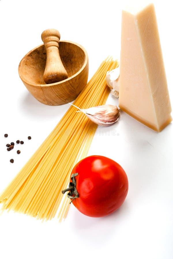 Spaghetti składniki na białym tle obraz royalty free