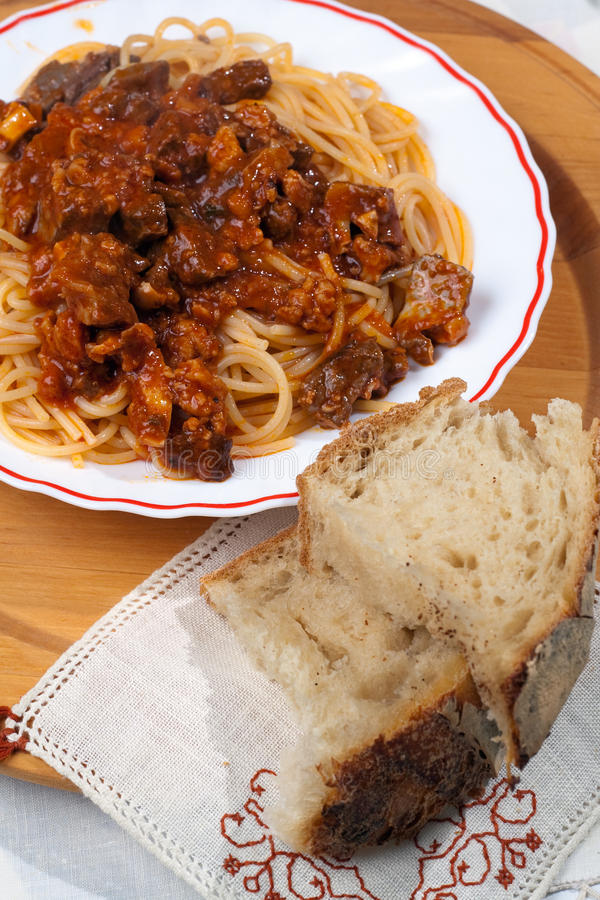 Spaghetti With Soffritto And Bread Royalty Free Stock Photography