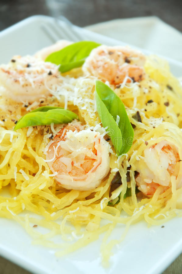 Free Spaghetti Squash & Shrimp Stock Photo - 27217750