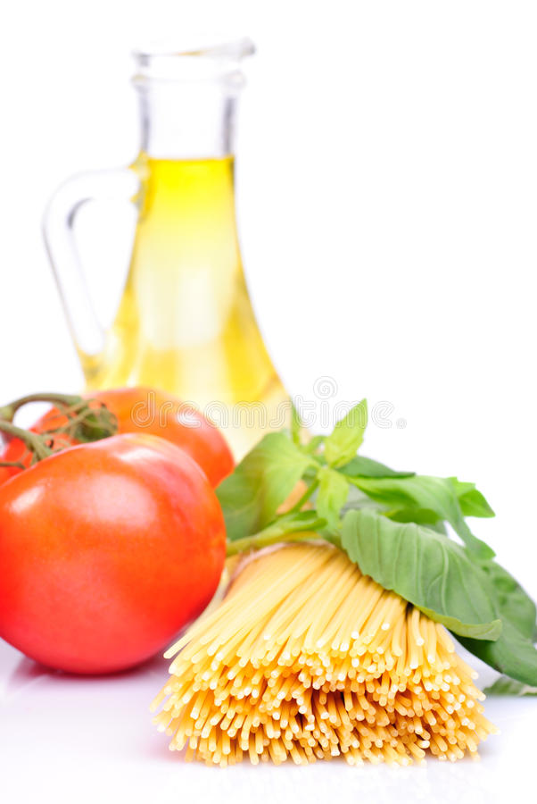 Download Spaghetti With Tomatoes, Olive Oil And Basil Stock Image - Image: 17749953