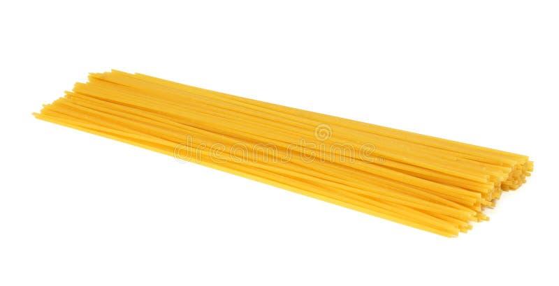 Spaghettideegwaren op wit worden geïsoleerd dat stock foto's