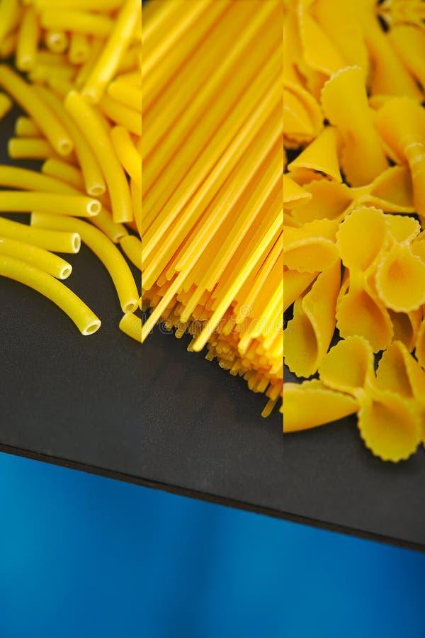Spaghettis, farfalle und Makkaroni auf einer Tabelle stockfoto
