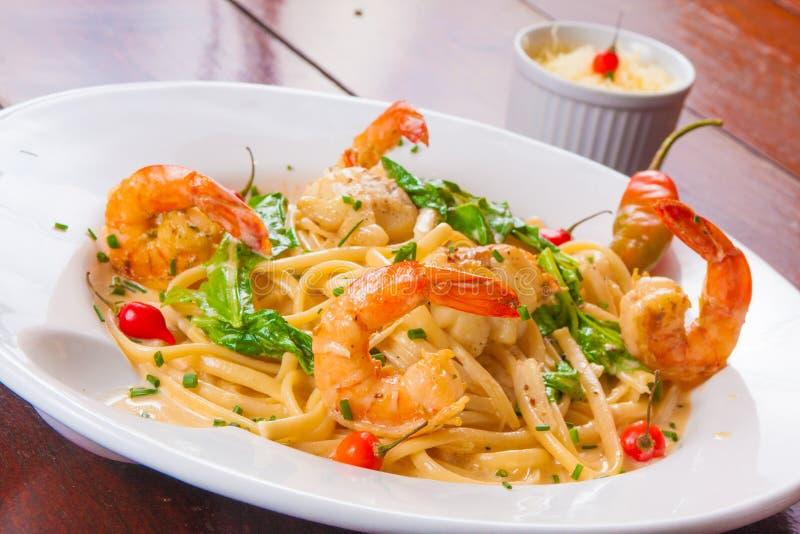 Spaguetti com camarão foto de stock royalty free