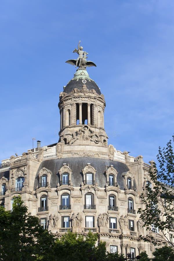 spain Barcelona Forntida byggnad i passagen de Gracia arkivbilder