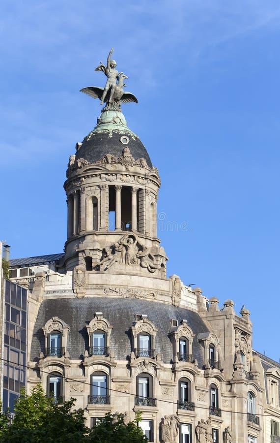 spain Barcelona Forntida byggnad i passagen de Gracia fotografering för bildbyråer